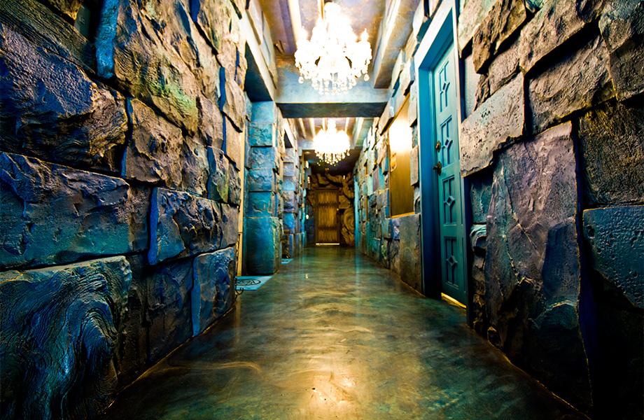 地下水路のある異次元への廊下